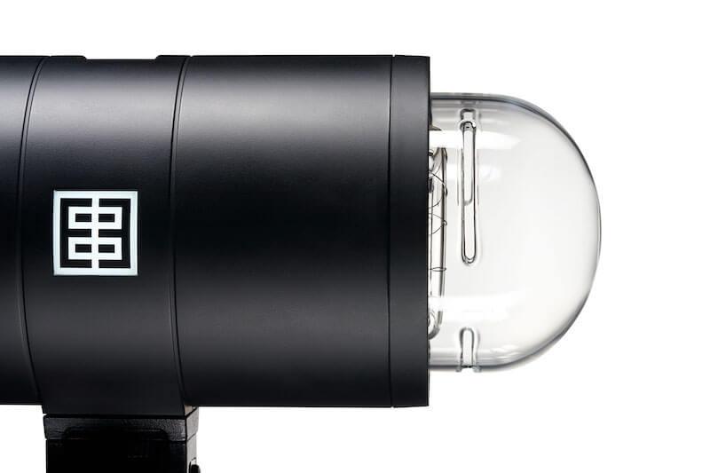 elinchrom one closeup unconcealed flashtube